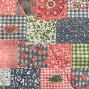 Vintage 70s patchwork Twin size bedspread blanket